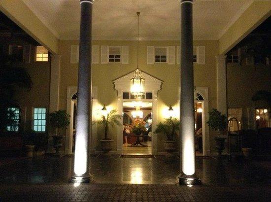 Sandals Royal Caribbean Resort and Private Island: Main Entrance