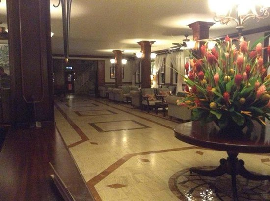 Sandals Royal Caribbean Resort and Private Island: Main Lobby