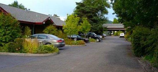 فيلدج جرين ريزورت: Rooms with parking