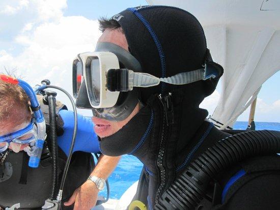Scuba Gamma Diving Center: Antonio keeping warm..he's too skinny!