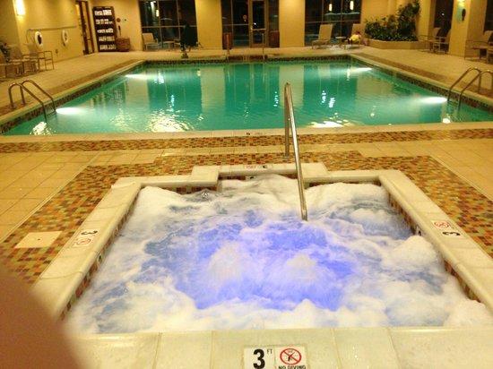 Embassy Suites by Hilton Nashville SE - Murfreesboro: Pool & Jaccuzi