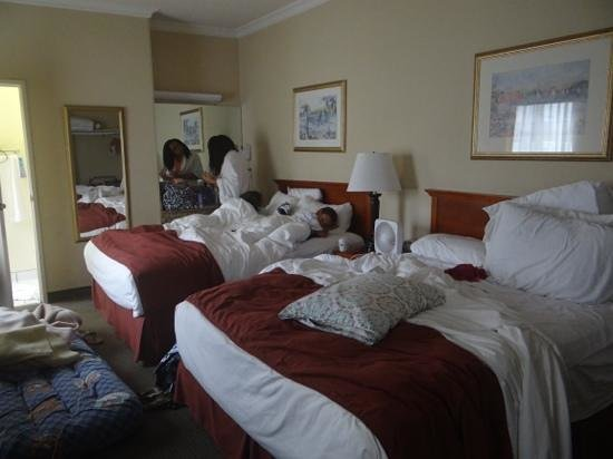 Travelodge Santa Monica : getting ready in the morning