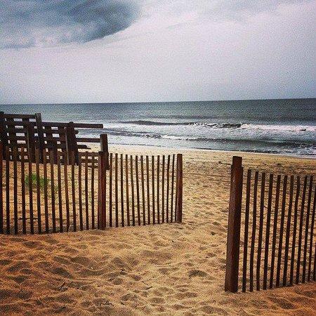 Outer Banks Inn : Nearby beach