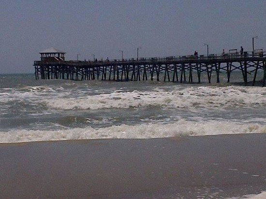 Oceanana Family Motel: Great surf, great pier for fishin!