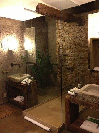 Kenoa - Exclusive Beach Spa & Resort: In room bathroom