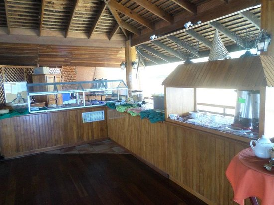 Grafton Beach Resort: breakfast area