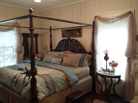 The Queen's Residence B&B: Queen Room