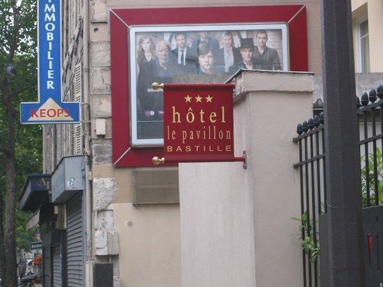 Hotel Pavillon Bastille : Sur la rue de Lyon