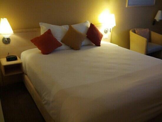 Novotel Monterrey Valle : Bed
