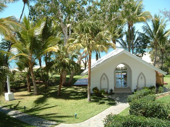 wedding chapel with view of beach picture of alamanda. Black Bedroom Furniture Sets. Home Design Ideas