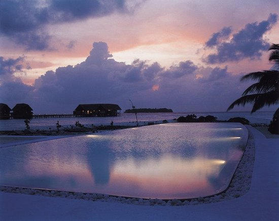 Cocoa Island by COMO: Infinity Pool