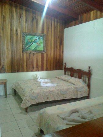 Hotel Arenal Rossi: Lindas Habitaciones