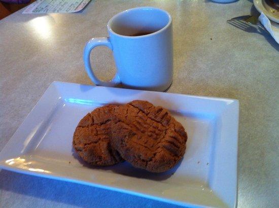 Sunshine Cafe: Gluten Free Peanut Butter Cookies....hmmm good!