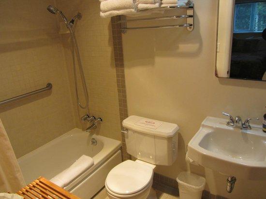 Quillayute River Resort: Bathroom