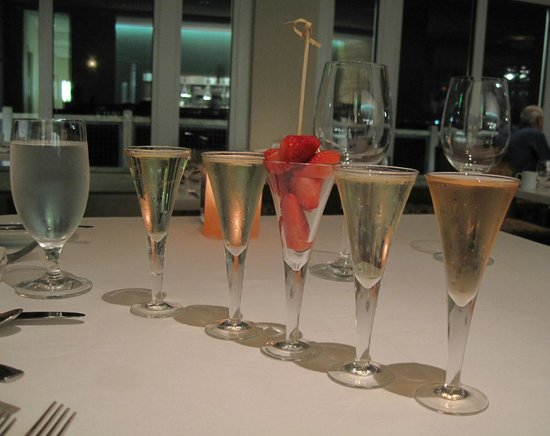 InterContinental The Clement Monterey: sparkling wine flight, delicious strawberries at the C restaurant