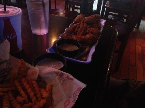 Chickie's & Pete's: Wings