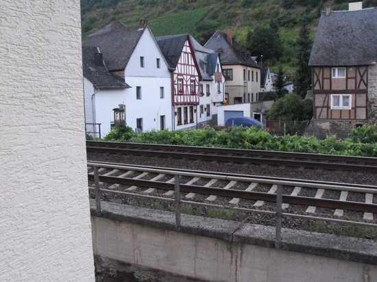 Hotel Brauer: the cream wall on the left was our room , the train track is very close behind it !