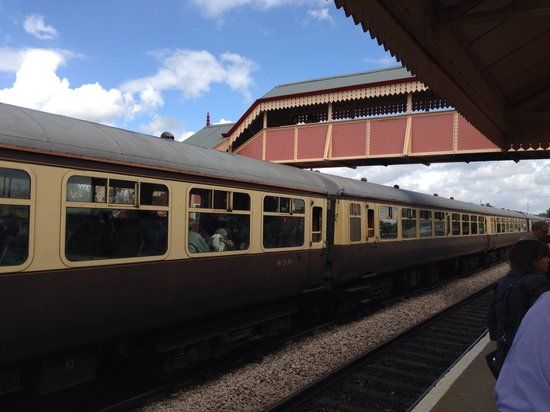 The Shakespeare Express: The carriages