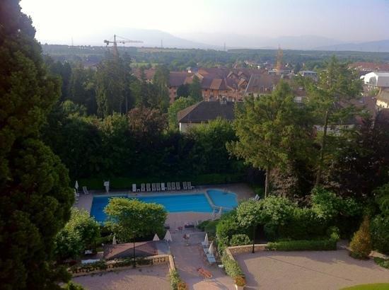 Domaine de Divonne: vue depuis les chambres avec vue sur lac et Mont Blanc