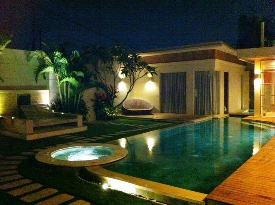 K Villas Seminyak: Room 2 overlooking pool