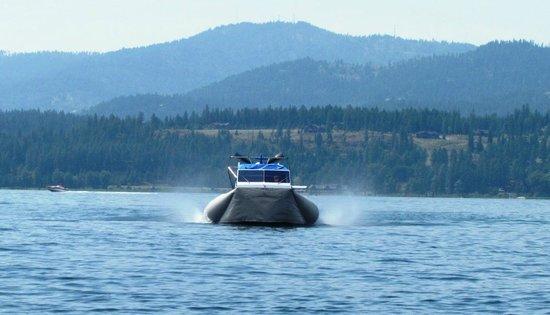 Hovercraft Rides on Lake Coeur d'Alene: Hovercraft head on