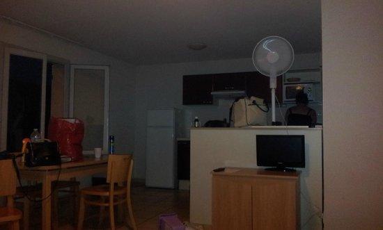 GARDEN & CITY LYON - LISSIEU : Kitchen Area with Our Trusty Fan