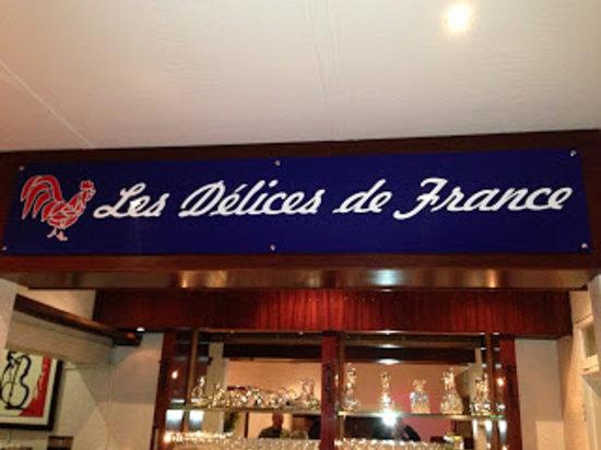 Les Delices De France: Signboard