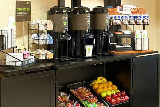 Extended Stay America - Jacksonville - Camp Lejeune: Free grab-and-go breakfast