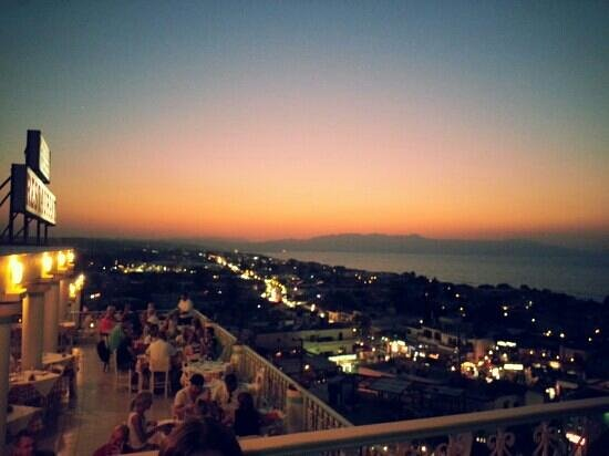 Platanias Palace: Ηλιοβασίλεμα στο Πλατανιά Παλας !!
