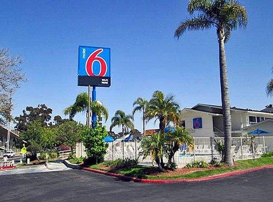 Motel 6 San Ysidro- San Diego- Border: MExterior
