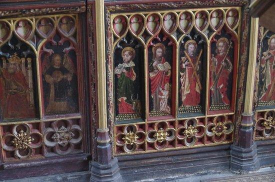 Old Church House Inn: The 1430's screen in the church