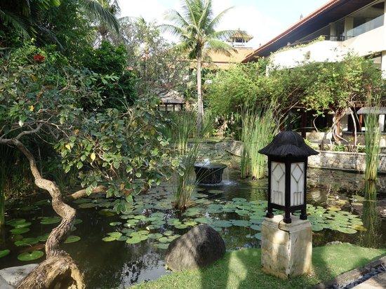 The Royal Beach Seminyak Bali - MGallery Collection: jardin