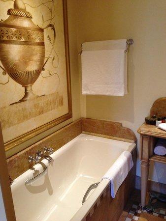 The Palazzo Montecasino: Lovely Bathroom ;)