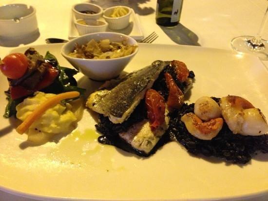 Peppermill Fusion Grill: ризотто с сибасом и морепродуктами