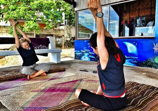 Freedive Hq Philippines: yoga stretching before freediving