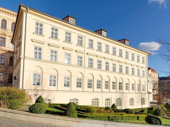 Four Seasons Hotel Prague : PRG Exterior