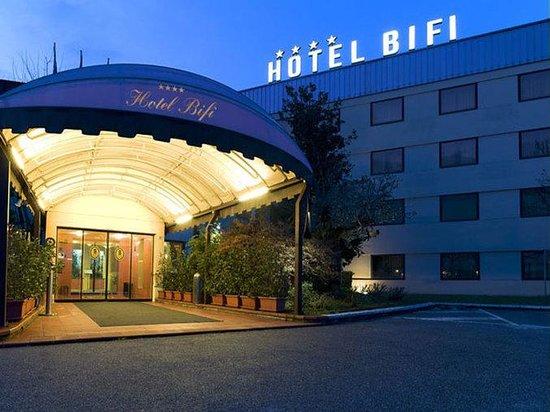 Bifi Hotel: Bifi Esterno