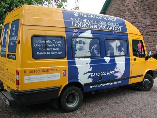 20 Forthlin Road - La casa de McCartney: Mini Bus from National Trust