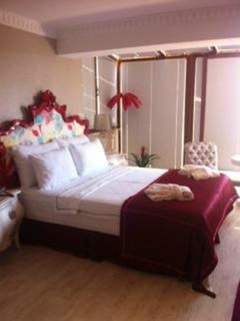 Nea Suites Old City: La habitación