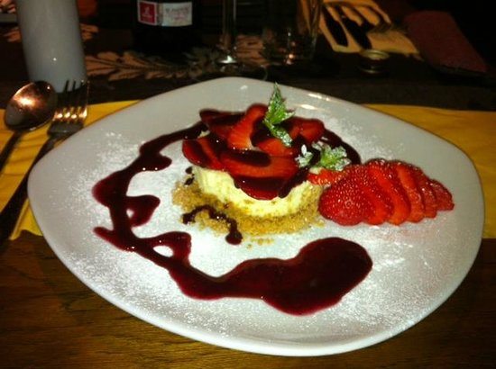 Heritage Coffee Mill and Bistro: Gorgeous Vanilla Cheesecake - a taste of perfection.