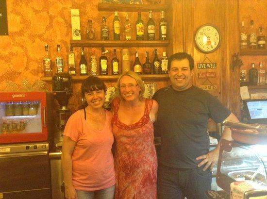 Ca l'Aureli : Last night at the best Tapas restaurant in La Pineda!