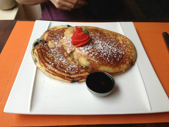Bilgola Cafe : Blueberry pancakes