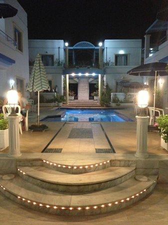Hotel Nana Daratsos : Pool