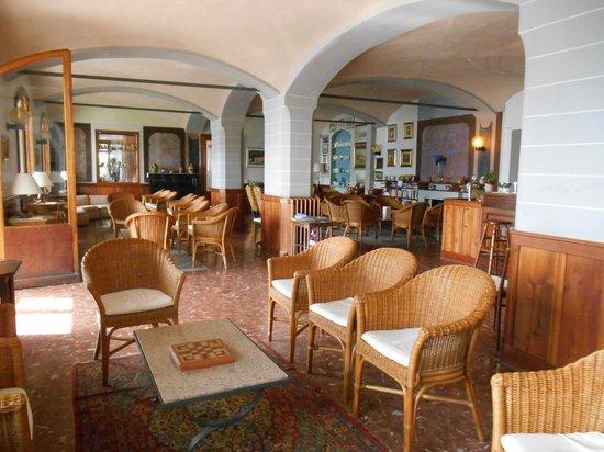 Hotel Beau Rivage : Bar and lounge area