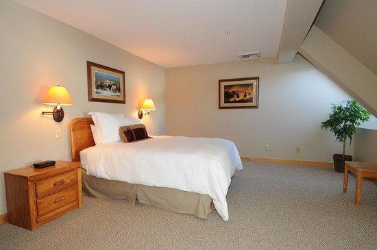 Saddle Ridge Condominiums: Loft