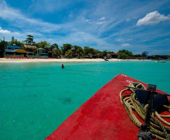 Legends Beach Resort Photo