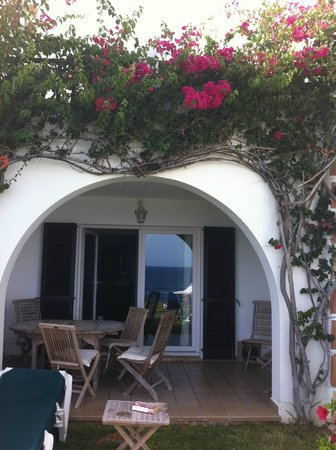 Apartamentos Parque Mar: Villa. watch the boats sail by