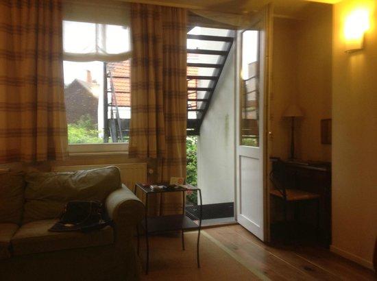 Hotel 't Sandt: Выход на лестницу во внутренний двор