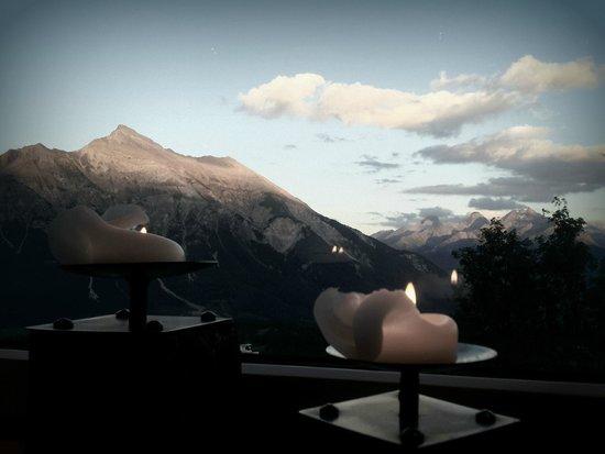 Berghotel Tgantieni: Unvergessliche Abendessen mit wunderschöner Aussicht!