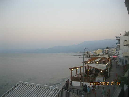 Maragakis Hotel: Вид с балкона номера
